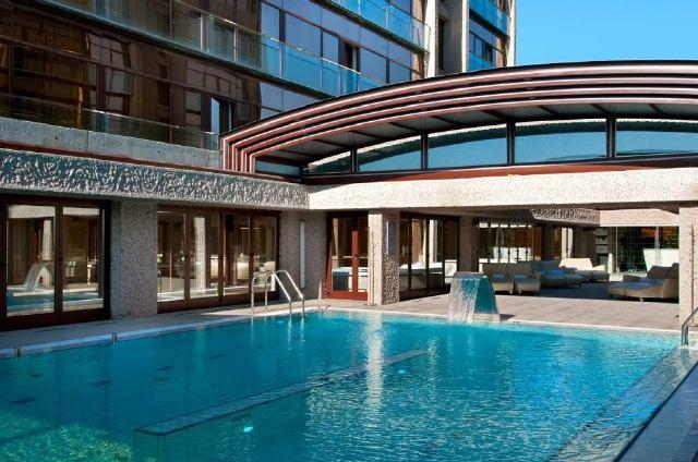 10 hoteles en madrid con piscina exterior y vistas desde