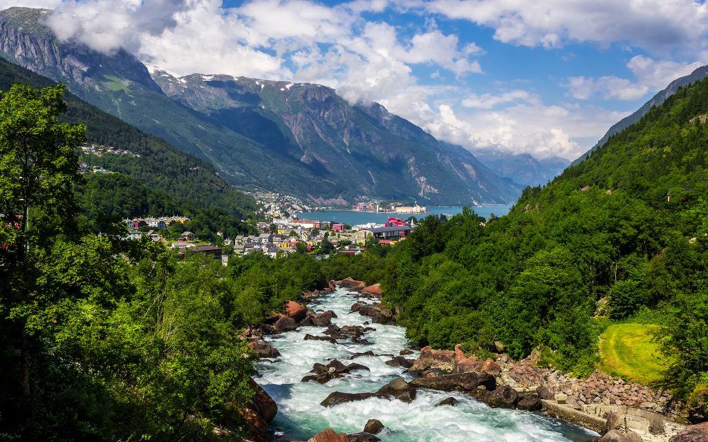 El pueblo de Odda en Noruega