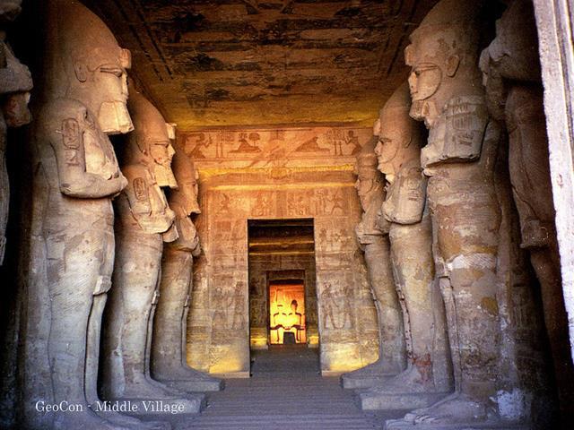 El templo de Ramsés II (Abu Simbel) en Egipto