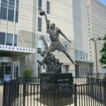 Estatua Michael Jordan